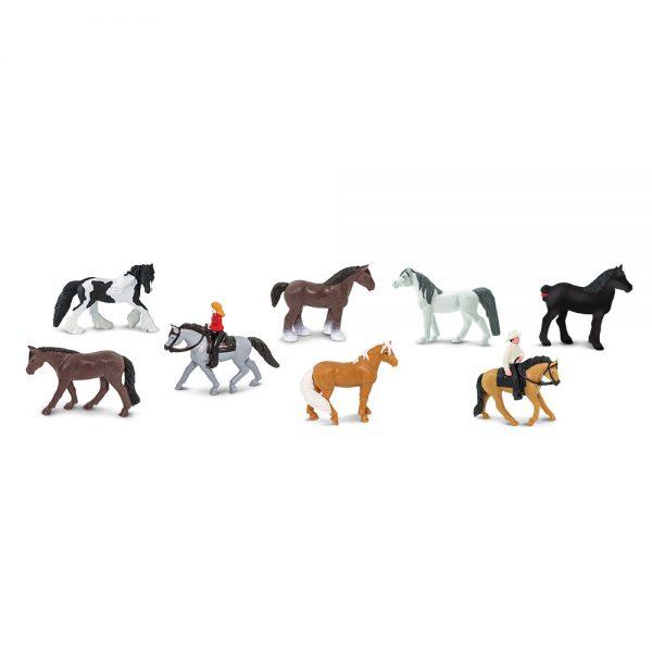 סוסים ורוכבים