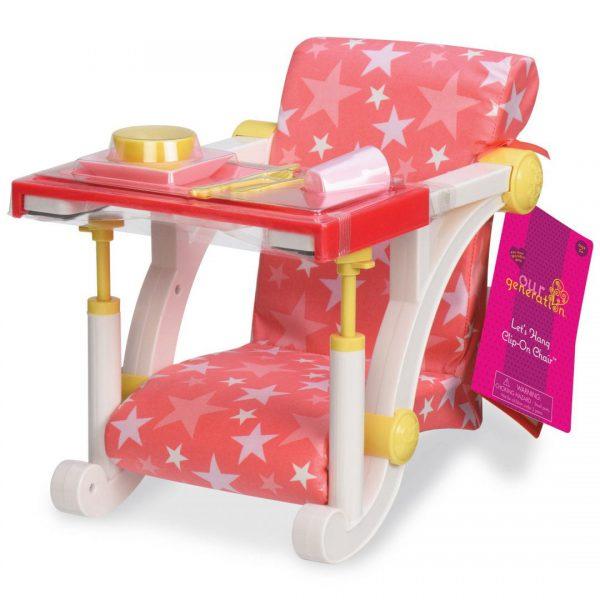 כסא לבובה מתחבר לשולחן ורוד עם כוכבים
