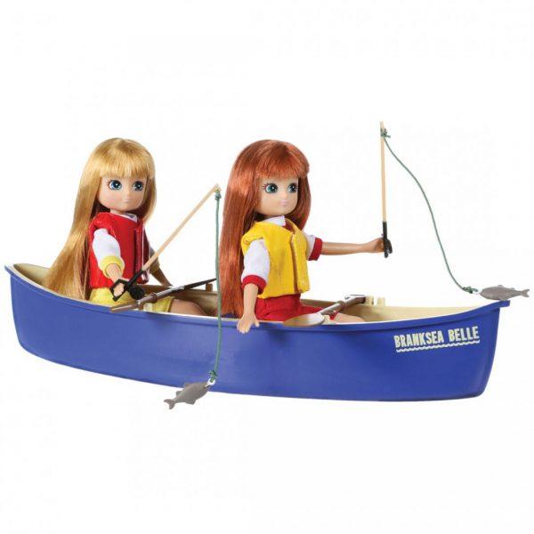 סירה וציוד לשתי חברות